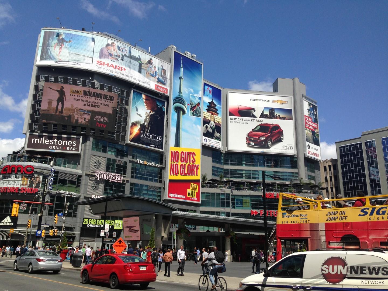 2013 Toronto – Yonge-Dundas Square